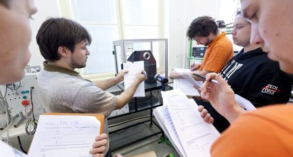 studenti/vyuka/st_vyuka_01_1.jpg